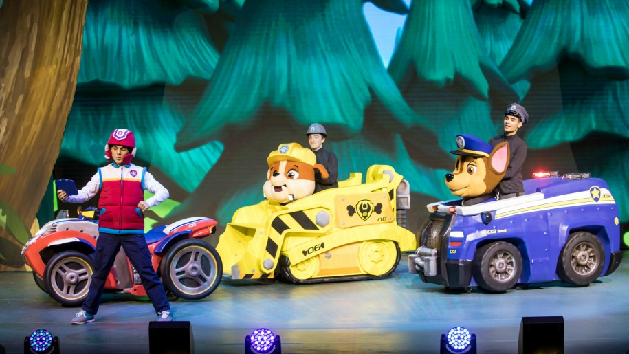 paw patrol dogs on stage