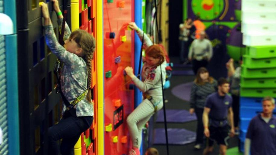 girls clip n climb