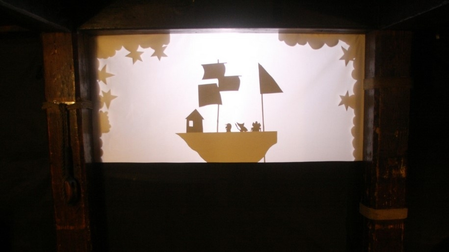 pirate ship shadow puppet