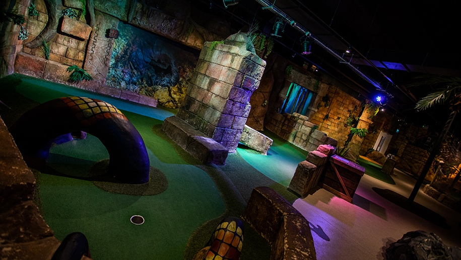 crazy golf stevenage