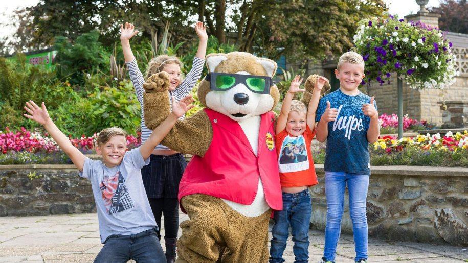 bear and kids