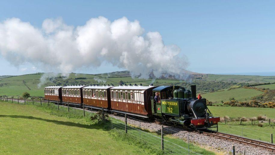 Lynton and Barnstable locomotive train