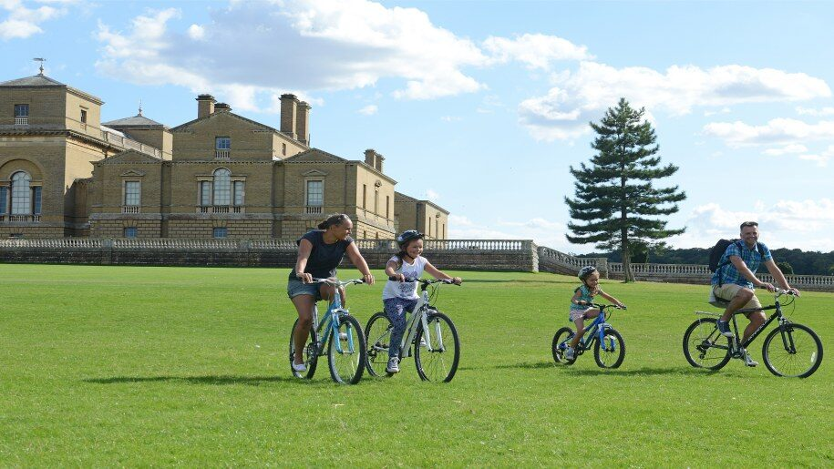 Holkham children on bicycles 915x515